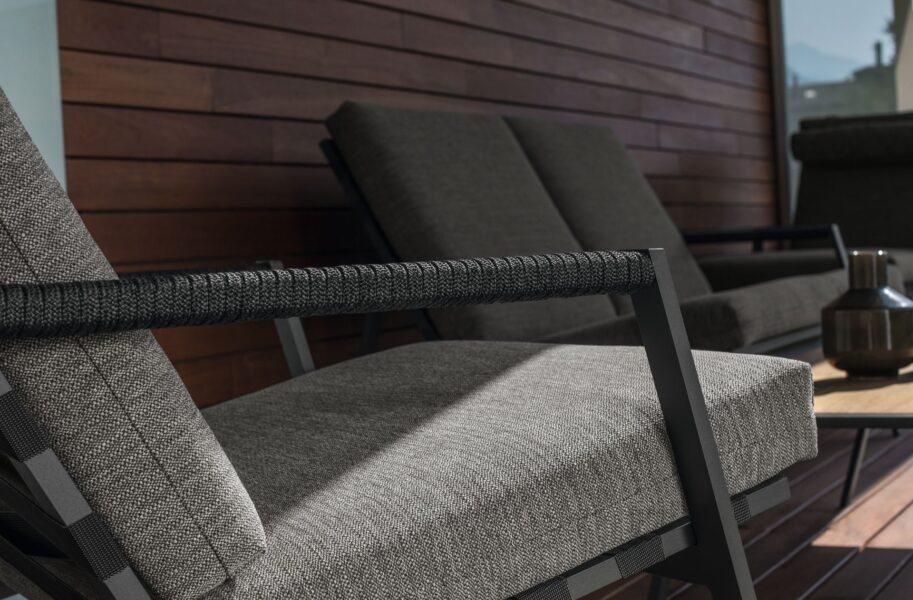 Cottage Sofa 5