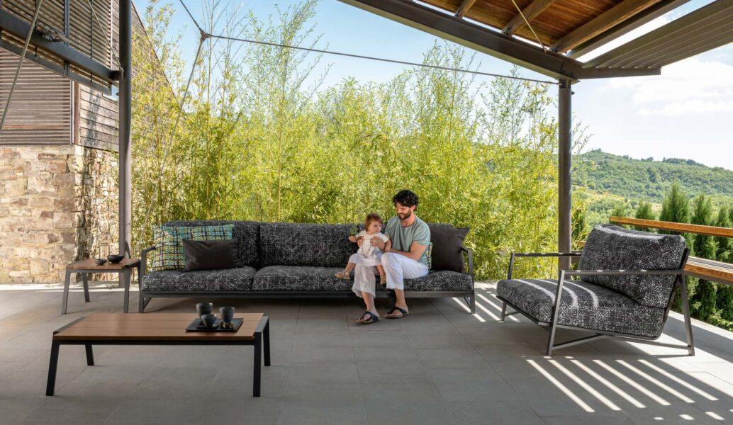 Cottage Luxury 2-Sitzer-Sofa 0